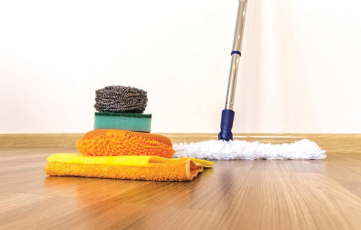 Como limpar corretamente seu piso de casa?